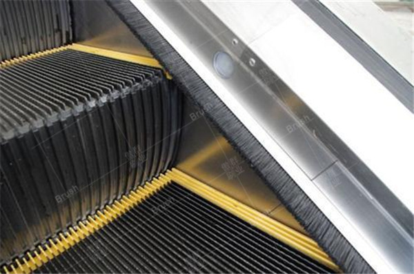 Customized Escalator Deflector Brush Manufacturer - AOQUN